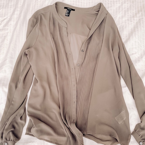 Forever 21 Sweaters - Forever 21 button up cardigan